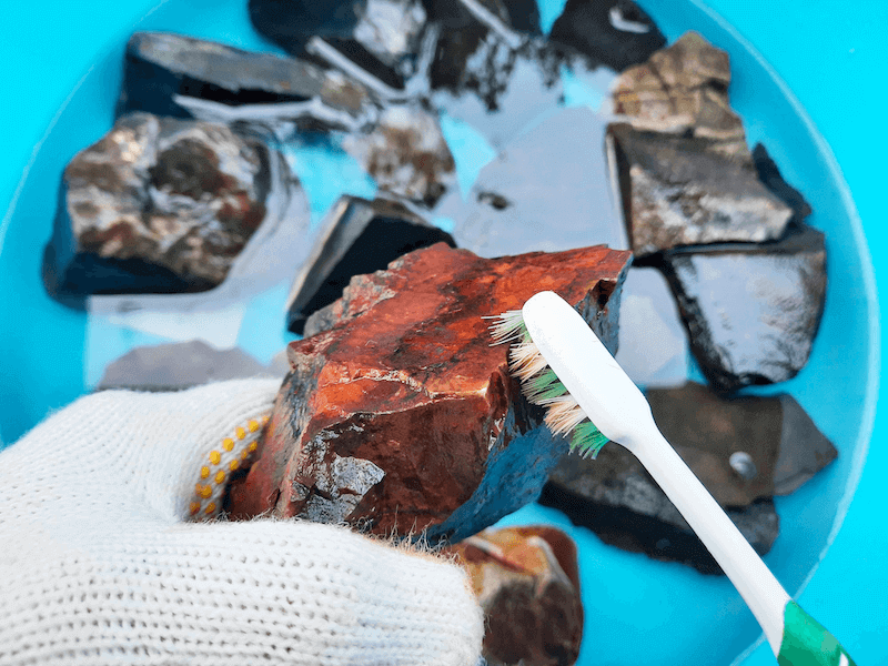 アクアリウム-水草水槽-石組レイアウト-レイアウト方法-川辺-自然採取-水浸処理-ブラッシング