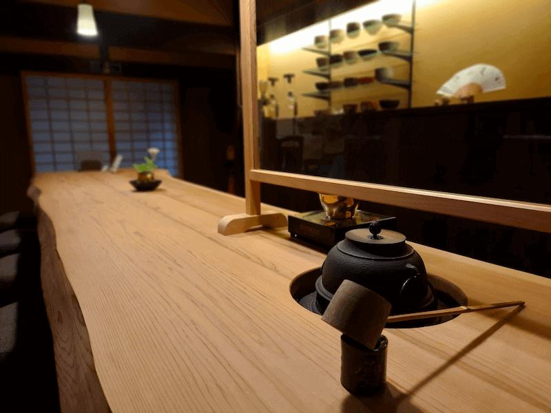 滋賀県米原市-青岸寺-喫茶去kissa-ko-カウンター-お茶-抹茶