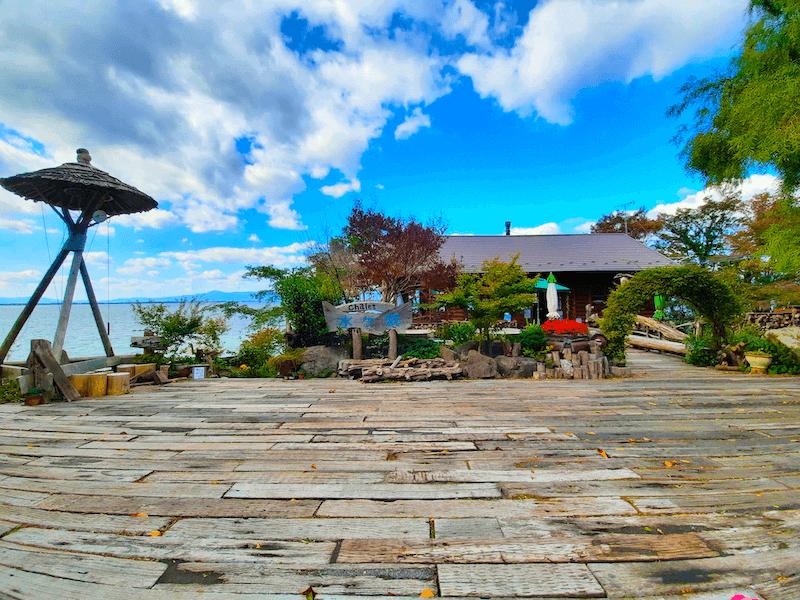 滋賀県-カフェ-琵琶湖-周辺-景色-湖岸-シャーレ水ヶ浜-cafe-chalet-外観