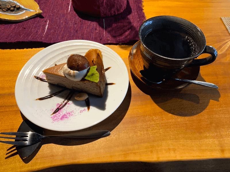 長野県-塩尻市-中山道-奈良井宿-カフェ-宿場Caféいずみや-コーヒー豆-珈琲-ブレンドコーヒー-マカロンケーキ