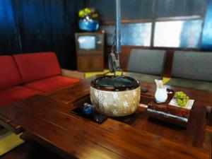 長野県-塩尻市-中山道-奈良井宿-カフェ-宿場Caféいずみや-囲炉裏-火鉢