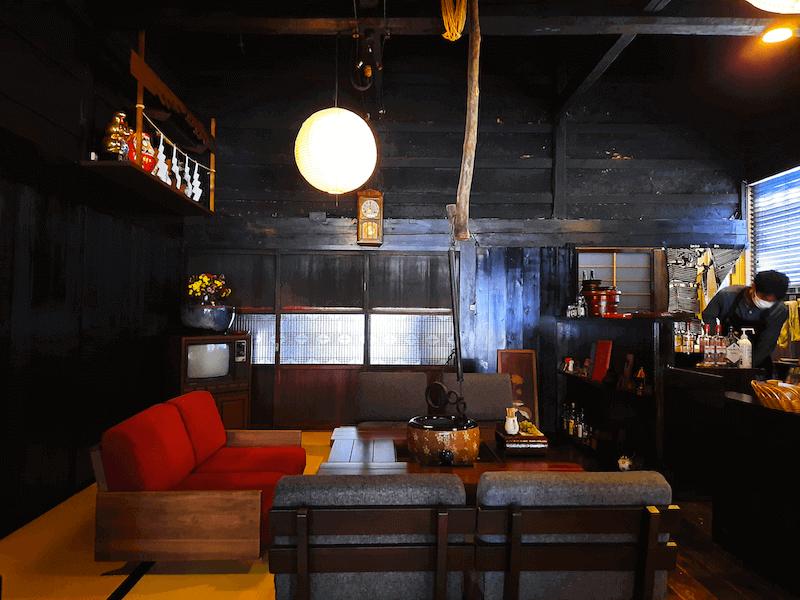 長野県-塩尻市-中山道-奈良井宿-カフェ-宿場Caféいずみや-囲炉裏