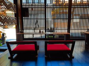 長野県-塩尻市-中山道-奈良井宿-カフェ-宿場Caféいずみや-席