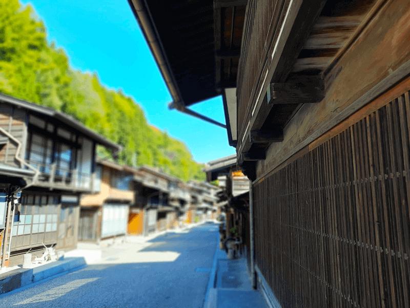 長野県-塩尻市-中山道-奈良井宿-建築様式-出梁造り