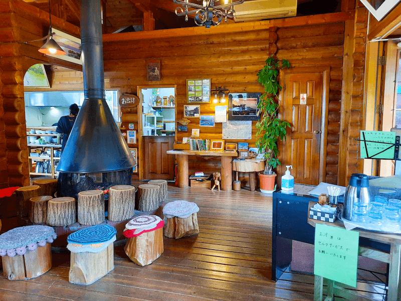 滋賀県-カフェ-琵琶湖-周辺-景色-湖岸-シャーレ水ヶ浜-cafe-chalet-暖炉