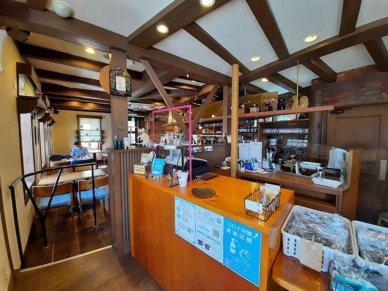 滋賀県-彦根市-カフェ-cafe-珈琲-コーヒーcoffee-cantata-店内-全体