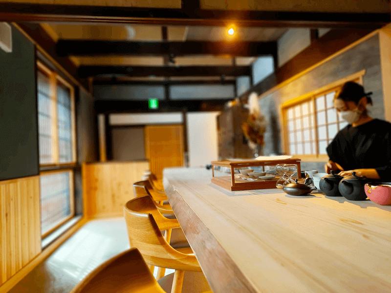 滋賀県-近江八幡市-玉屋町-カフェ-さんずい-氵-カウンター席