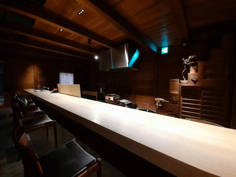 滋賀県-近江八幡市-玉屋町-カフェ-さんずい-氵-レストラン-カウンター席