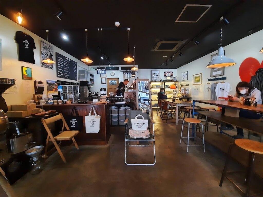 滋賀県-彦根市-古沢町-カフェ-cafe-micro-lady-マイクロレディーコーヒースタンド-珈琲-コーヒーcoffee-店内-全体